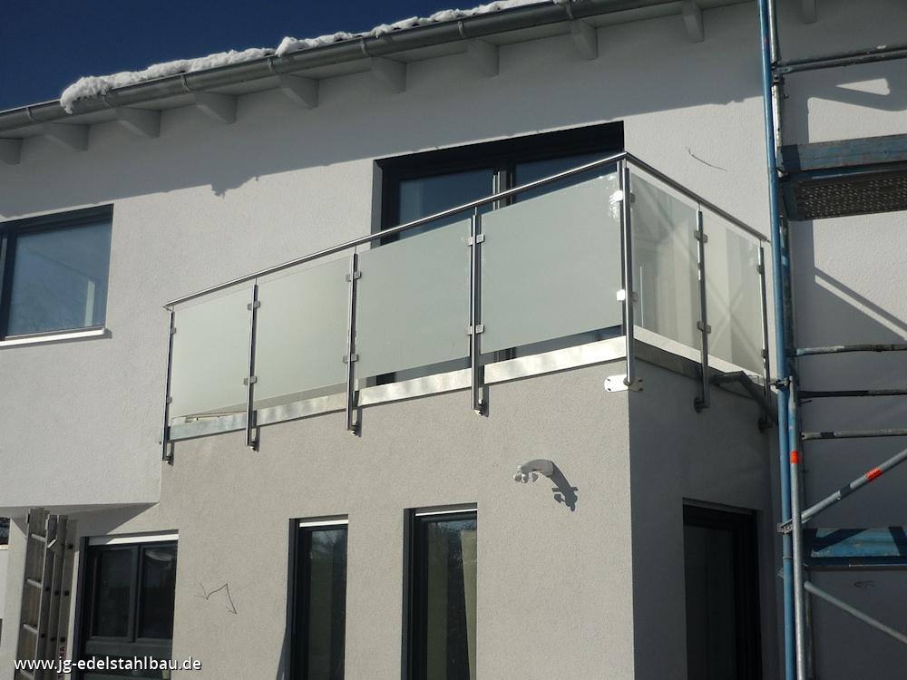 Balkon kunststoff holzoptik kreative ideen f r for Wohndesign karlsruhe